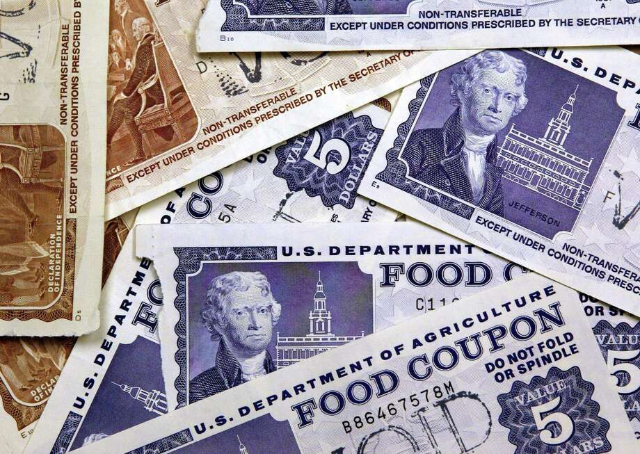 Nationally, 10.2 percent of households receive food stamps. Click through to see which Washington communities are home to the most people receiving food stamps, and the fewest. Photo: Tim Boyle, / / 2004 Getty Images