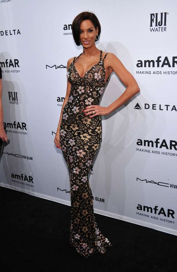 Nicole Murphy attends the amfAR New York Gala to kick off Fall 2013 Fashion Week at Cipriani Wall Street on February 6, 2013 in New York City. Photo: Bryan Bedder, Getty Images For FIJI Water / 2013 Getty Images