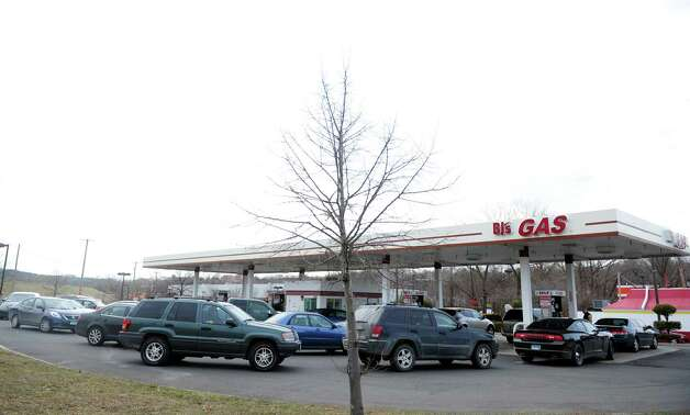 Cars line up to purchase gasoline at the BJ's Wholesale Club in Derby, Conn. Thursday, Feb. 7, 2013. Photo: Autumn Driscoll