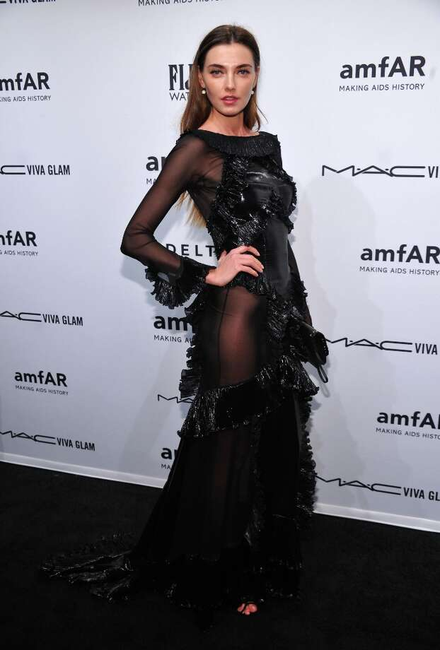 Alina Baikova attends the amfAR New York Gala to kick off Fall 2013 Fashion Week at Cipriani Wall Street on February 6, 2013 in New York City. Photo: Bryan Bedder, Getty Images For FIJI Water / 2013 Getty Images