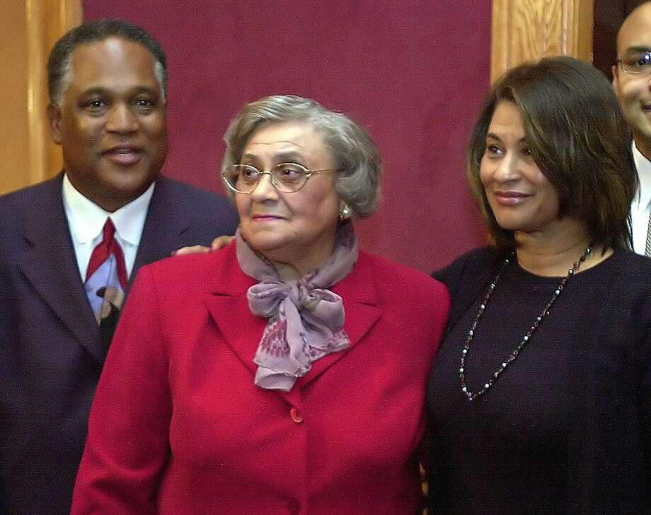 Essie Mae Washington-Williams (left), daughter of former segregationist Strom Thurmond, and her daughter  Wanda Terry. Photo: Lou Krasky, AP