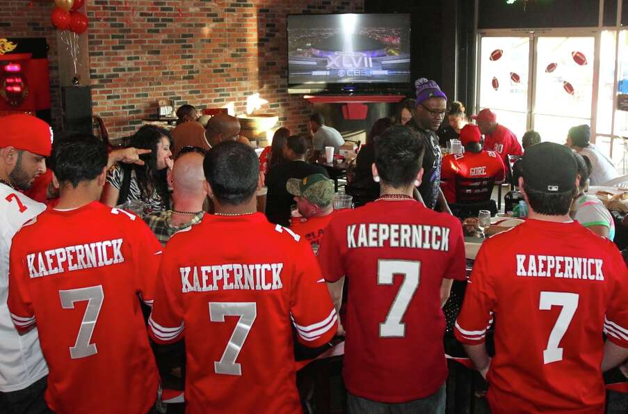 49ers quarterback Colin Kaepernick fans watch the Super Bowl with the Baltimore Ravens at Lamppost P