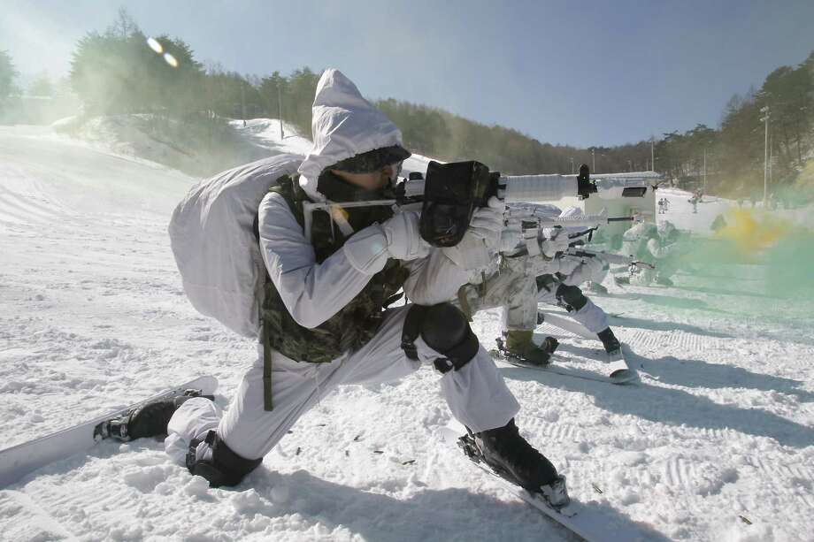 The South Korean troops train in temperatures below minus 20 degrees celsius to defend the country against any possible attacks from North Korea. Photo: Chung Sung-Jun, Getty Images / 2013 Getty Images
