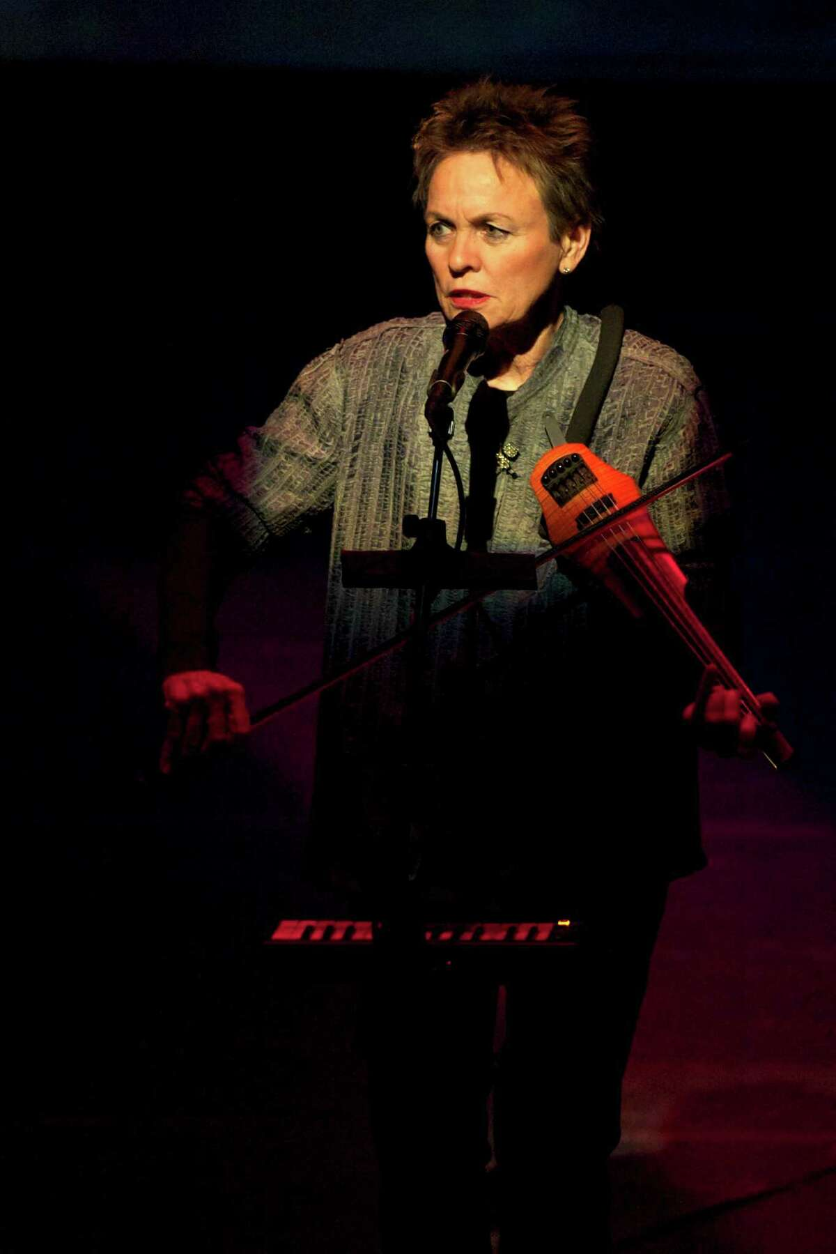 Laurie Anderson performing in 2010 (Lou Reed/Barbican Centre via Bloomberg).