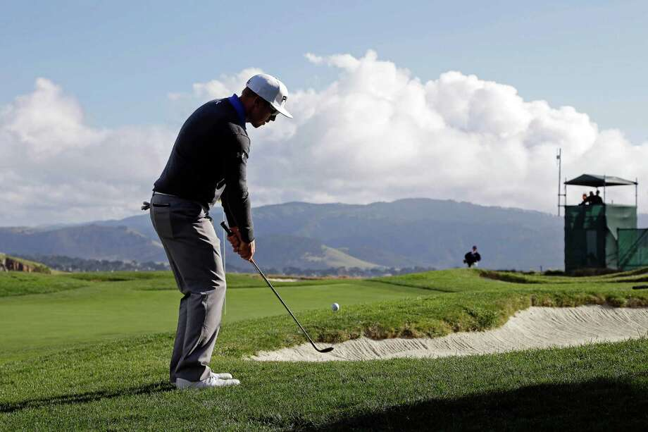 Surprised by the gorgeous weather, Hunter Mahan took advantage of it to fire a 6-under 66 at Pebble Beach Golf Links on Thursday. Photo: Eric Risberg, STF / AP