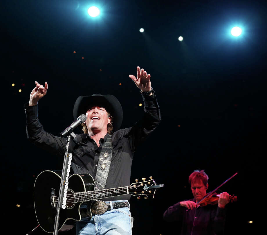 Clay Walker performs during the San Antonio Stock Show & Rodeo Thursday Feb. 7, 2013 at the AT&T Center. Photo: Edward A. Ornelas, San Antonio Express-News / © 2013 San Antonio Express-News