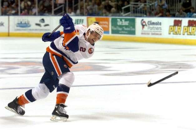 sound tigers hockey player andrew macdonald breaks his