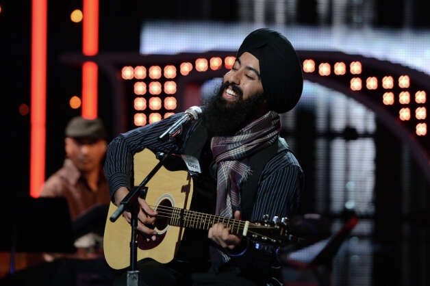 AMERICAN IDOL: Hollywood Round: Gurpreet Singh Sarin performs on Thursday, Feb. 7 (8:00-9:00 PM ET/PT). ©2013 Fox Broadcasting Co. CR: Michael Becker / FOX.