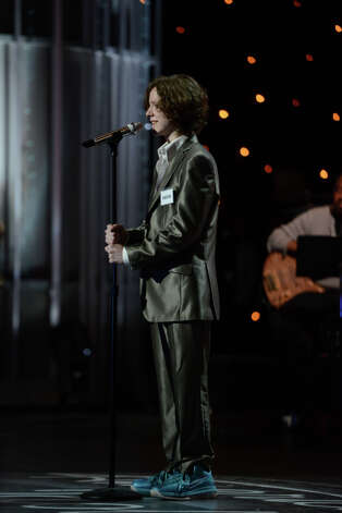 AMERICAN IDOL: Hollywood Round: Charlie Askew performs on Thursday, Feb. 7 (8:00-9:00 PM ET/PT). ©2013 Fox Broadcasting Co. CR: Michael Becker / FOX.