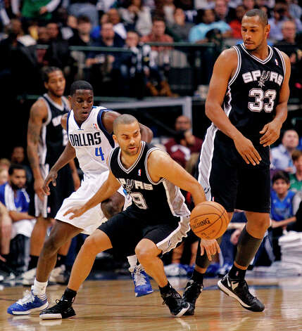 Western Conference Skills Challenge participantTony Parker, guard for the San Antonio Spurs, is averaging over 20 points to go along with over 7 assists. Photo: Paul Moseley, McClatchy-Tribune News Service / Fort Worth Star-Telegram