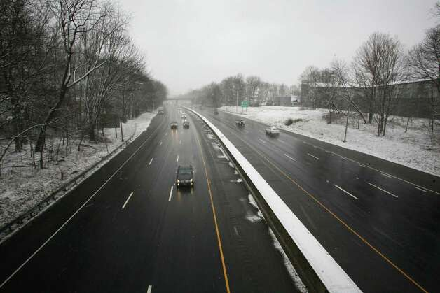 I-95 was clear and lightly traveled before the snow storm Friday morning, Feb. 8, 2013. Photo: David Ames / Greenwich Time Freelance