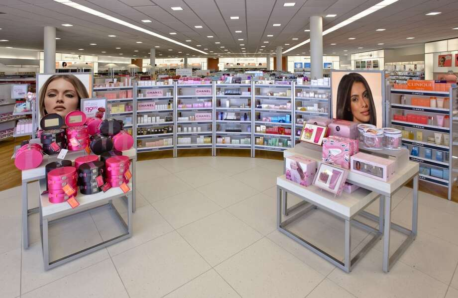 The store carries more than 20,000 beauty products, 4,000 testers, 350 fragrances and more than 1,000 scents.