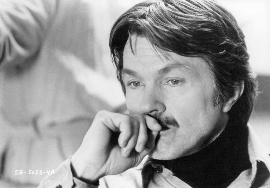 "Tom Skerritt was ''""Viper,'' Tom Cruise's chief instructor who taught him a valuable lesson about teamwork. Skerritt is pictured in the movie ''Fighting Back,'' which came out a few years before ''Top Gun.'' Photo: Michael Ochs Archives, Getty Images / 2011 Getty Images"