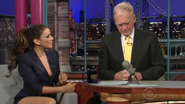 On a prior visit with David Letterman, Eva Longoria flashed plenty of leg and cleavage in a sexy blazer and shorts suit.