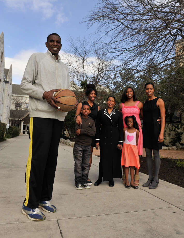 San Antonio Sports Hall of Fame inductee, former Spur and New York Nets player Larry Kenon with his family (left to right) Jordan Mason, Fareedah (cq) Kenon, Vanessa Kenon, Tatiana Mason, Tatum Mason, and Anastasia (cq) Kenon. Photo: Robin Jerstad