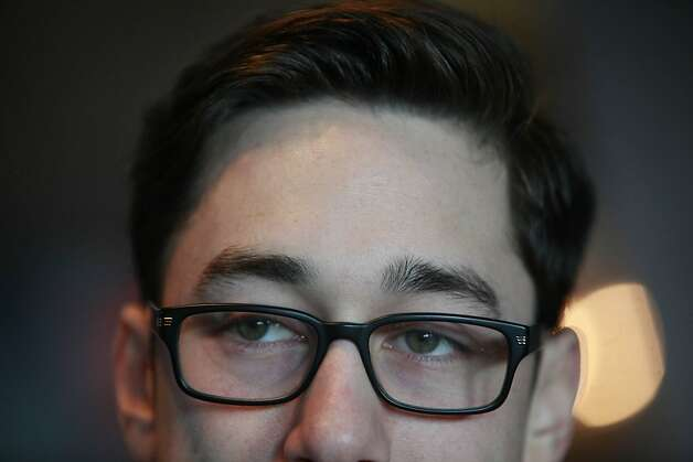 Tim Lincecum digs his new Joseph Gordon-Levitt/ Harry Potter look. What do you think? Photo: Lea Suzuki, The Chronicle