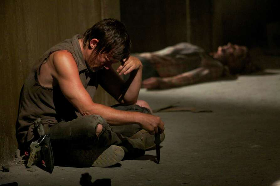 Michonne arrives at the prison and is interrogated by Rick and Daryl. She tells them about Glenn and