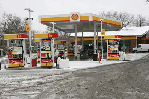 The Shell station on East Putnam Ave. was closed for a time due to a gas shortage but re-opened quickly on Friday, Feb. 8, 2013. Photo: David Ames / Greenwich Time Freelance
