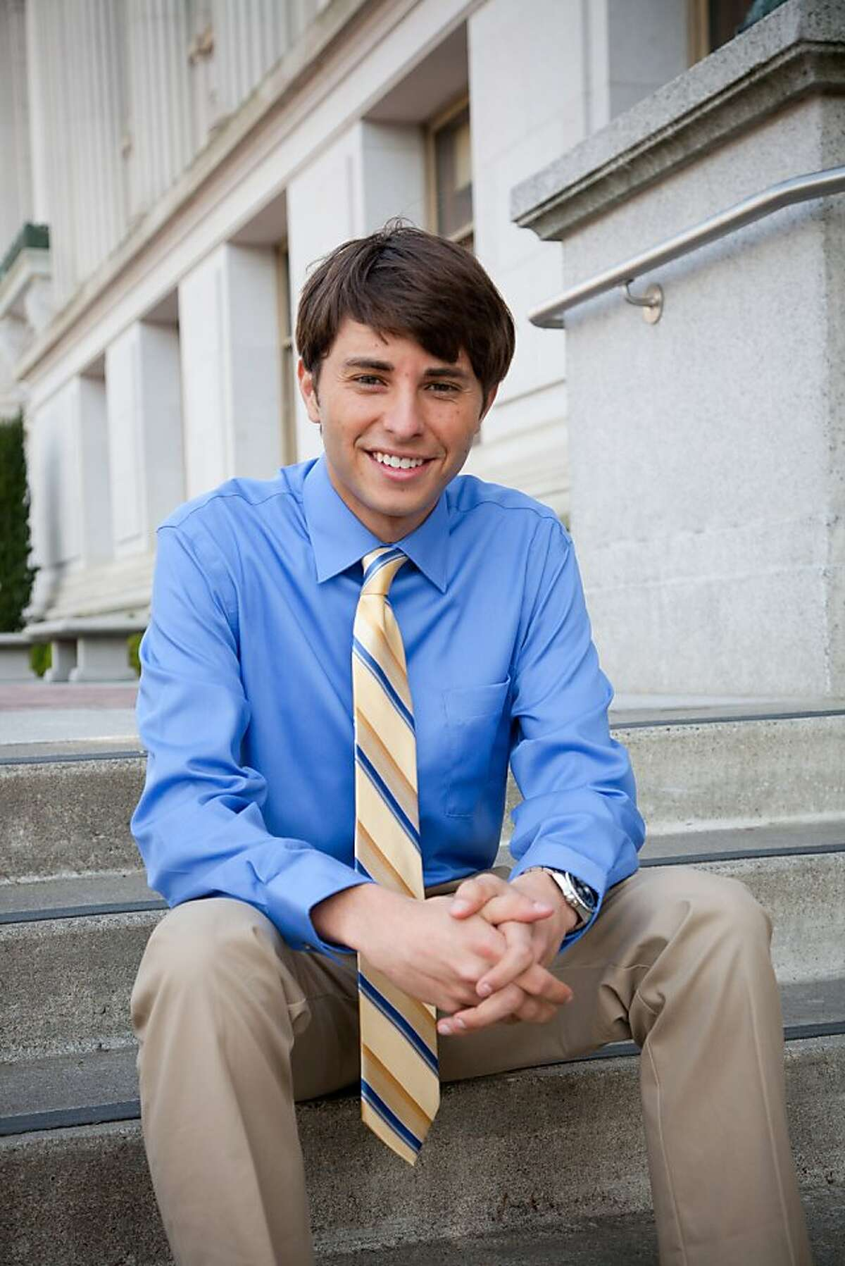 Nicholas Castle, 23, of Brentwood died Thursday February 7, 2013 while volunteering with the Peace Corps in China.