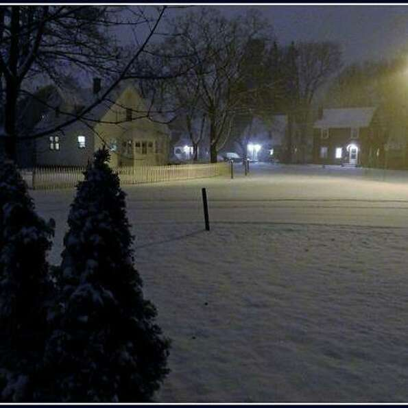 Scotia..the real beginning of the snow is tonight....more pics tomorrow in the daylight. (Claudia Gr
