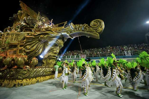Revellers of Mancha Verde samba school perform during the first night of Carnival parades at Sao Paulo on February 09, 2013. Photo: NELSON ALMEIDA, AFP/Getty Images / 2013 AFP