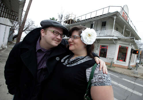David and Stephanie Stone-Robb pose for portait outside the Liberty Bar on Tuesday, Feb. 2, 2010. The couple has been married for about a year and the Liberty Bar was one of their favorite places for dates during their courtship. Photo: Kin Man Hui, San Antonio Express-News / San Antonio Express-News