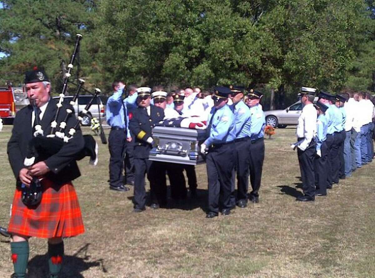 Mourners in Mississippi bury 28-year-old Joshua Smith, a father and volunteer firefighter who came to Texas to work in the oil industry. He was killed in an October 2010 accident while working for Nabors Drilling.