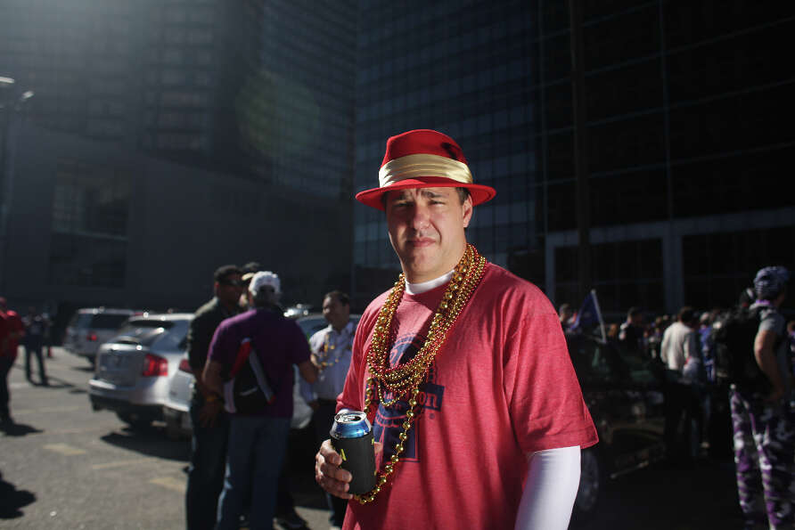 Niners fans, Jim Bitler tailgates outside the Mercedes-Benz Superdome, before Super Bowl XLVII betwe
