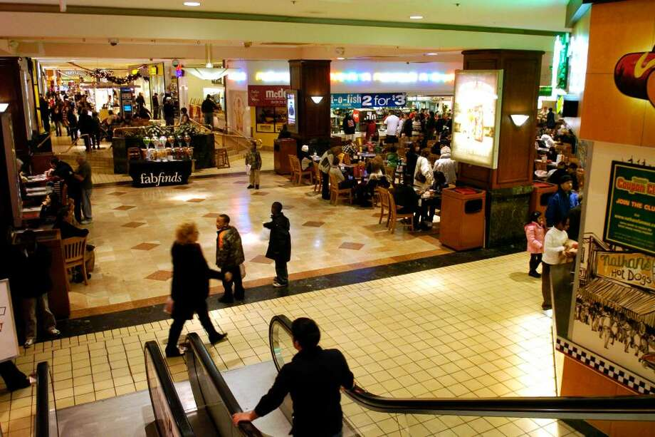 A view of the food court, on the lower level of the Westfield Trumbull Mall, in Trumbull, Conn. Monday, Dec. 28th, 2009. Photo: Ned Gerard / Connecticut Post