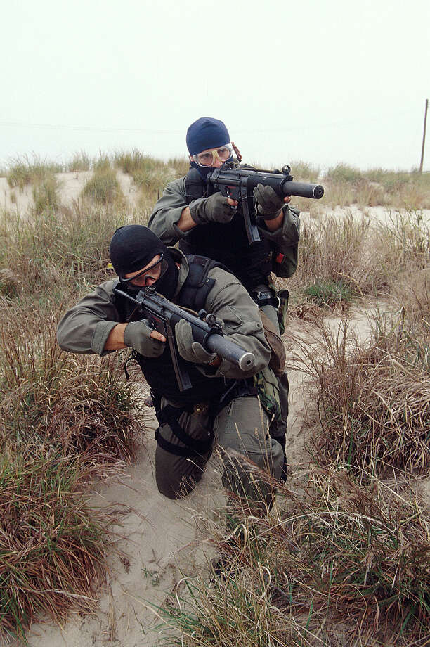 Navy SEALS, part of US Special Forces, during a training exercise. Photo: Greg Mathieson/Mai, Time & Life Pictures/Getty Image / Greg Mathieson/Mai