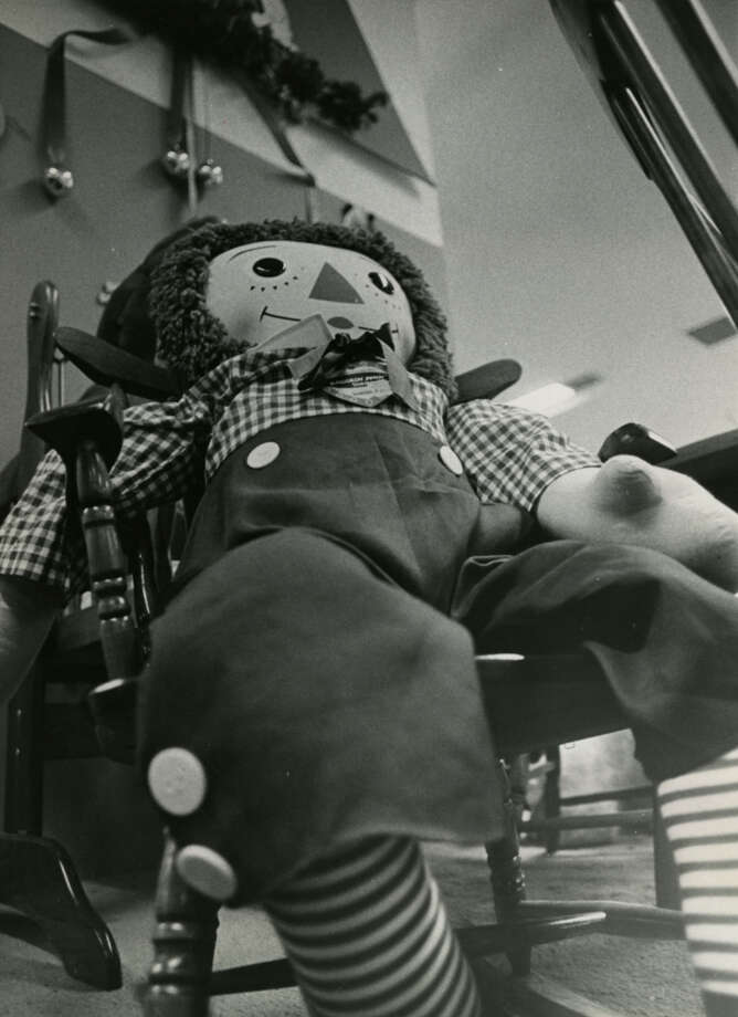 Raggedy Andy is a giant when seen from a child s angle of about 3 feet tall.Published Dec. 22, 1971 Photo: Darrell Davidson, Chronicle File
