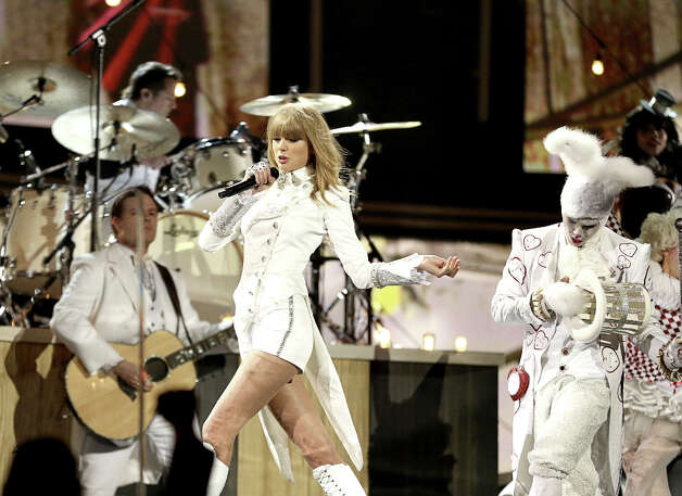 Taylor Swift performs at the 55th Annual GRAMMY Awards at STAPLES Center on February 10, 2013 in Los Angeles, California. Photo: Christopher Polk, Getty Images For NARAS / 2013 Getty Images