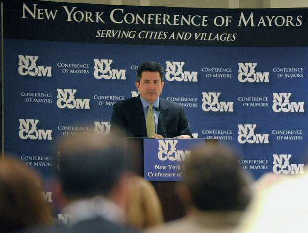 Peter Baynes, executive director of the New York Conference of Mayors and Municipal Officials, addresses attendees at their Winter Legislative Meeting at the Hotel Albany on Sunday evening, Feb. 10, 2013 in Albany, NY.  (Paul Buckowski / Times Union) Photo: Paul Buckowski
