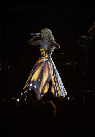 Carrie Underwood performs on stage at the Staples Center during the 55th Grammy Awards in Los Angeles, California, February 10, 2013. Photo: JOE KLAMAR, AFP/Getty Images / AFP