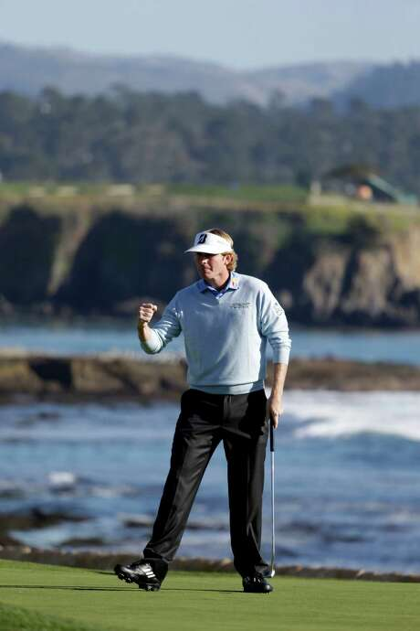 It was a perfect day for Brandt Snedeker as he nailed down a victory amid more nice weather at picturesque Pebble Beach. Photo: Eric Risberg, STF / AP