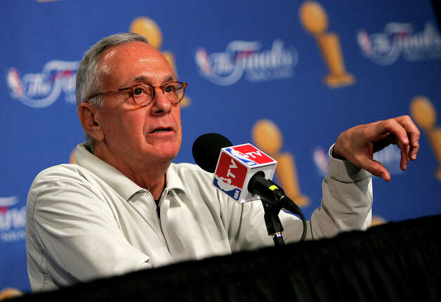 Pistons' coach Larry Brown listens to reporters' questions Friday June 10, 2005 during an interview session at the SBC Center. (WILLIAM LUTHER/STAFF) Photo: WILLIAM LUTHER, Express-News / SAN ANTONIO EXPRESS-NEWS