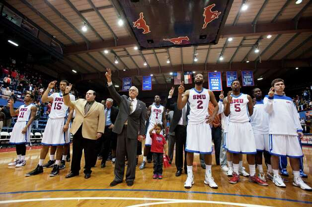Head coach Larry Brown of the SMU Mustangs stands with his team after losing to the Tulsa Golden Hurricane on January 6, 2013 at Moody Coliseum in Dallas, Texas.  Cooper Neill/Getty Images Photo: Cooper Neill, Getty Images / 2013 Cooper Neill