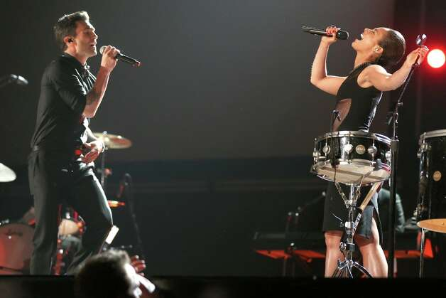 LOS ANGELES, CA - FEBRUARY 10:  Singers Adam Levine (L) and Alicia Keys perform onstage during the 55th Annual GRAMMY Awards at STAPLES Center on February 10, 2013 in Los Angeles, California. Photo: Christopher Polk, Getty Images For NARAS / 2013 Getty Images