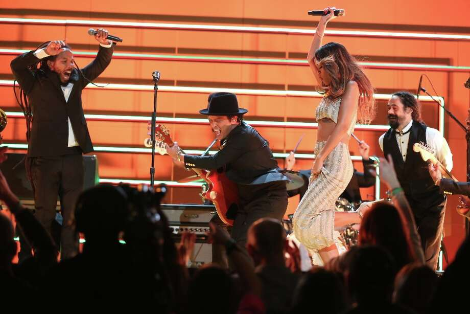 LOS ANGELES, CA - FEBRUARY 10:  (L-R) Singers Ziggy Marley, Bruno Mars, Rihanna and Damian Marley perform onstage during the 55th Annual GRAMMY Awards at STAPLES Center on February 10, 2013 in Los Angeles, California. Photo: Christopher Polk, Getty Images For NARAS / 2013 Getty Images