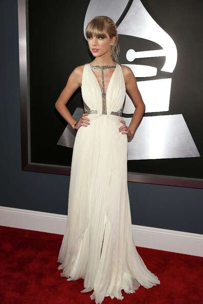 Taylor Swift arrives at the 55th Annual GRAMMY Awards on February 10, 2013 in Los Angeles, Californi