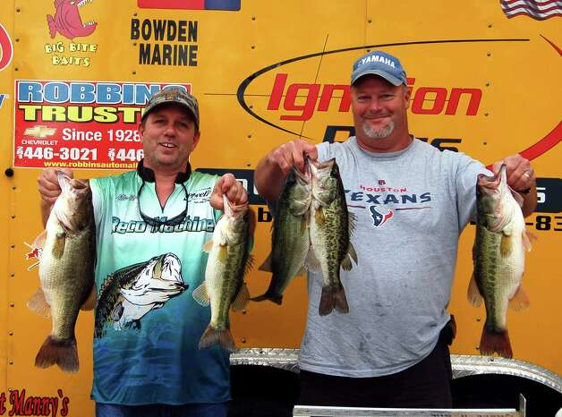 14.86 lbs was the winning weight for 2nd place team of David Wisdom and L.B. Ebert  Photo by Patty Lenderman, Lakecaster