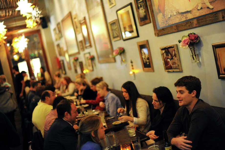 Diners pack Mamacita on Chestnut Street in the Marina. Photo: Michael Short / Special To The Chronicle / ONLINE_YES