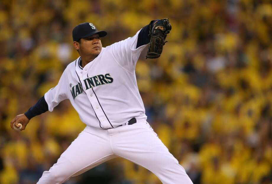 What people are saying about Felix HernandezThe big news late last week was that the Mariners were reportedly close to signing pitching ace Felix Hernandez to a huge contract extension -- to the tune of $175 million over seven years. But on Sunday, things got a bit more complicated when ESPN's Buster Olney reported that the Mariners saw an ''elbow issue'' when giving Hernandez an MRI in preparation for the contract.Could the snag alter King Felix's extension? Could the Mariners get squeamish and walk away from Hernandez? Could the elbow issue hurt his trade value? What does it all mean for the future of the Mariners?Those questions and more were on the mind of many Mariners fans and sports pundits Monday. Click through the gallery for a selection of what people have been saying about Felix Hernandez.