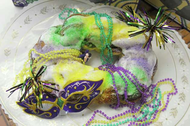 photos king cakes ready for mardi gras times union. Black Bedroom Furniture Sets. Home Design Ideas