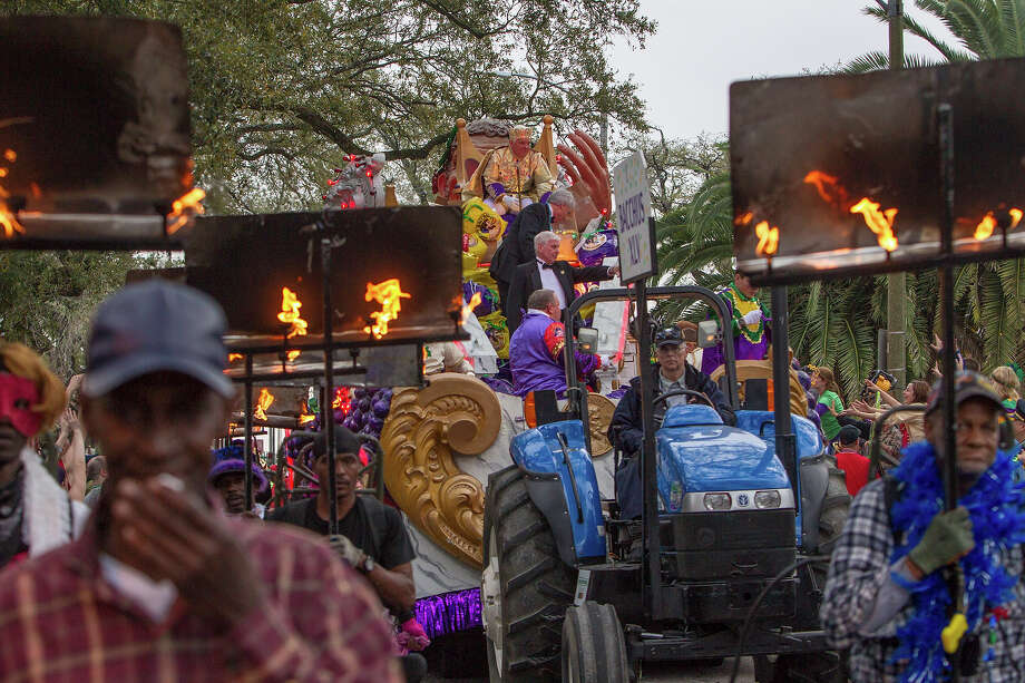 Actor G.W. Bailey reigning as King of Bacchus in the 2013 Krewe of Bacchus Mardi Gras Parade on February 10, 2013 in New Orleans, Louisiana. Photo: Skip Bolen, Getty Images / 2013 Skip Bolen