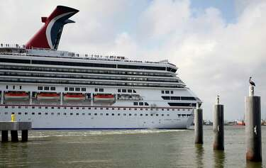 Trial in Carnival Triumph's 'floating hell' underway in
