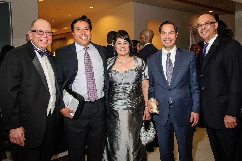 José Villarreal, from left, Gabriela and Juan Manuel Contreras-Martinez, San Antonio Mayor Julian Castro and Rick Noriega Photo: Kim Christensen, Photographer / ©Kim Christensen