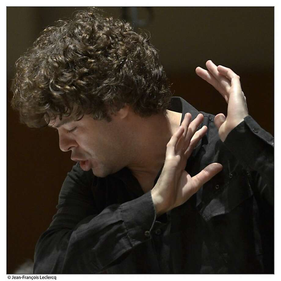 Pablo Heras-Casado conducts with clarity. Photo: Jean-François Leclerq