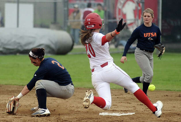 Lamar player Ashley McDowell, #20, steals second during the Lamar University softball game against UTSA at Ford Park on Saturday, February 9, 2013.  Lamar won over UTSA 3-2. Photo taken: Randy Edwards/The Enterprise Photo: Randy Edwards