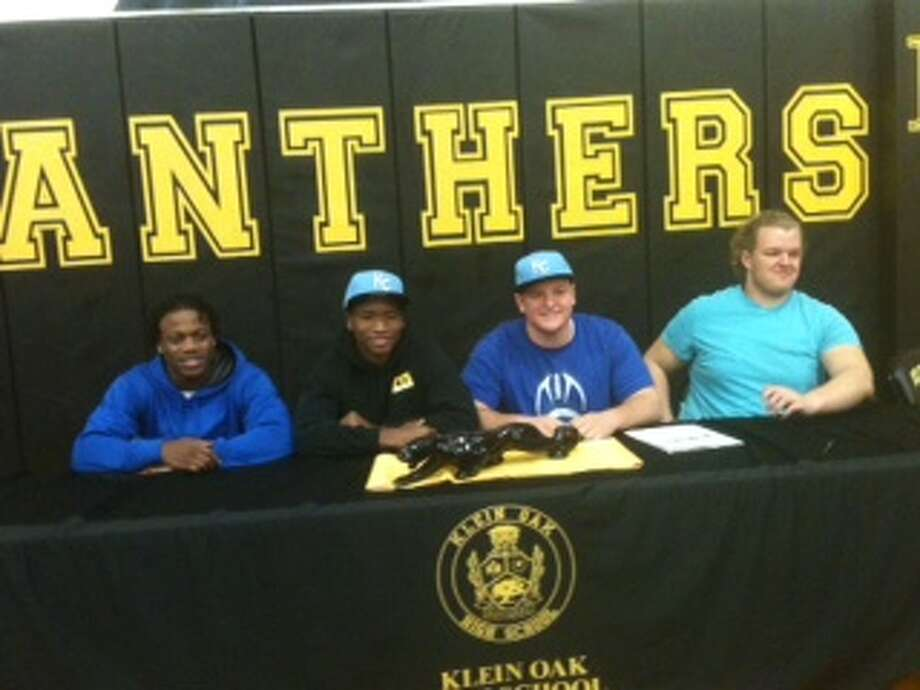Student Athletes signing letters of intent